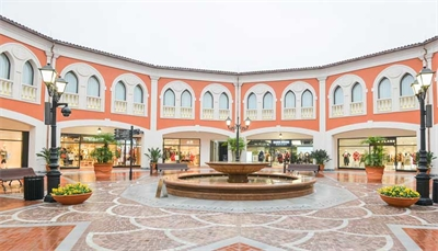 China's Demand for Luxury is Driving Outlet Malls' Success