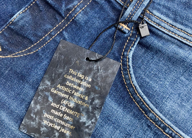 Recycling Denim into Hangtags